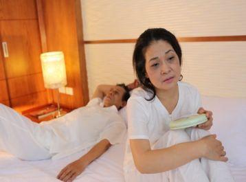 Phương pháp điều trị MẤT NGỦ hiệu quả bằng bài muối ngâm chân cổ Sinh Dược