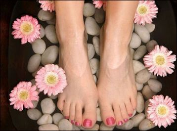 Quá nhiều lợi ích khi ngâm chân bằng nước muối